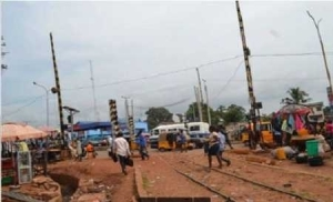 Oh No! See the Enugu Railway Crossing Where People are Routinely Killed by Trains (Photo)